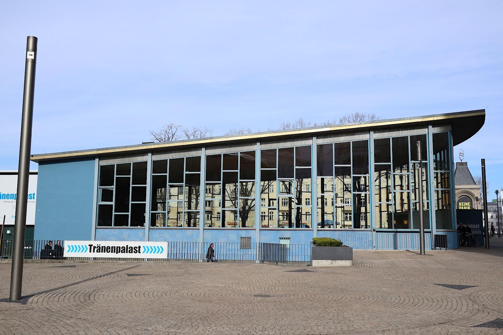 Tränenpalast. Transparent, gläsern, modern