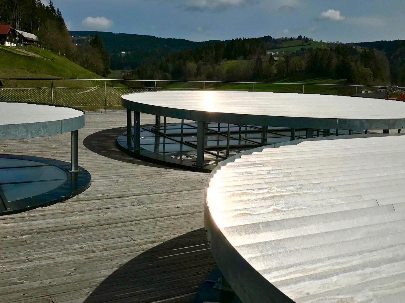 KSVET. Dachterrasse mit Sonnenschutzelementen