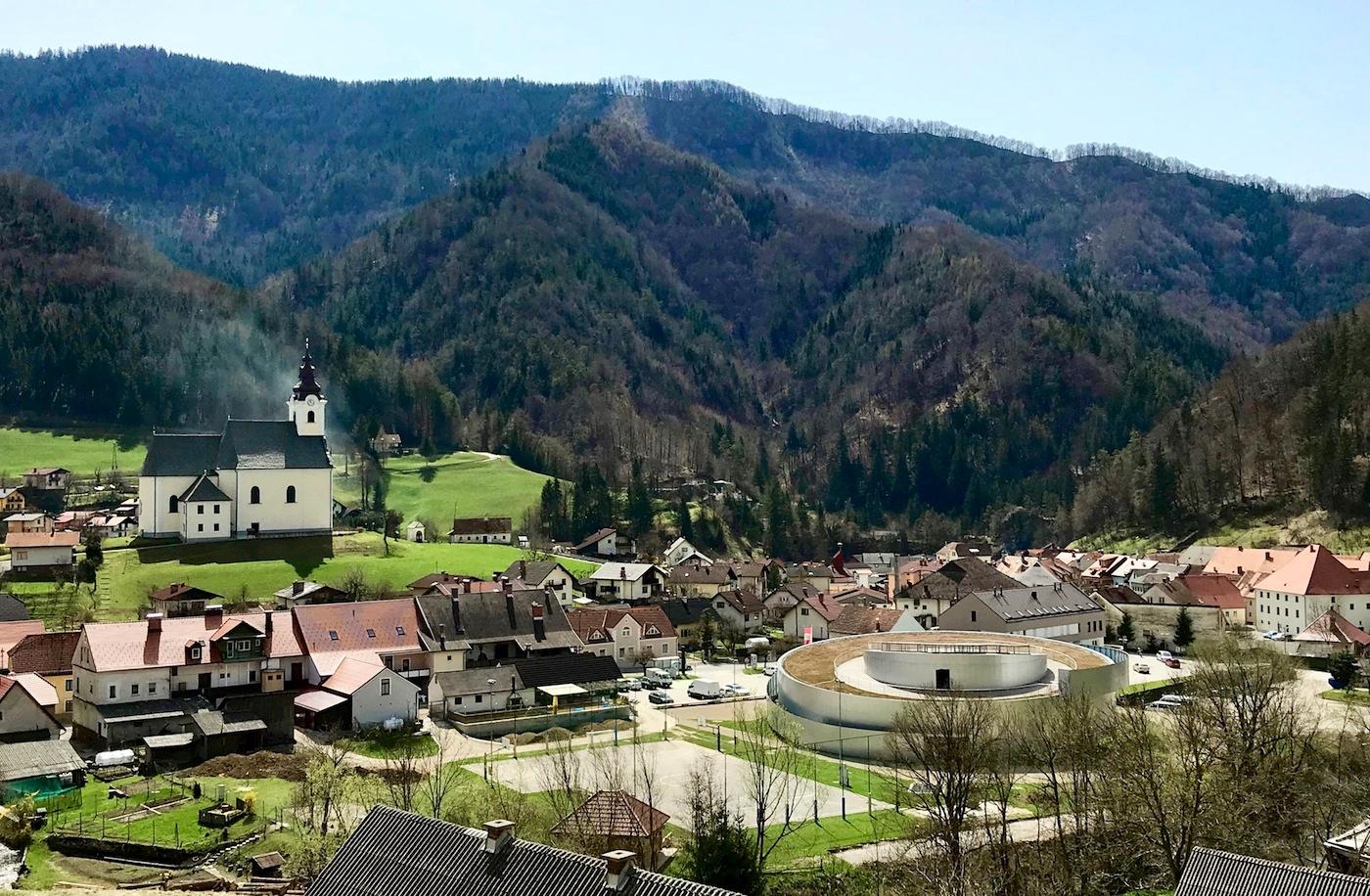 Vitanje. Der Ort ist etwa 20 km von Celje entfernt, drittgrößte Stadt Sloweniens.