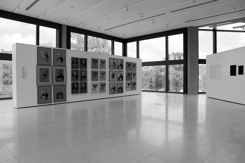 Museum für Zeitgenössische Kunst. ... ist in fünf Ausstellungsebenen unterteilt ...