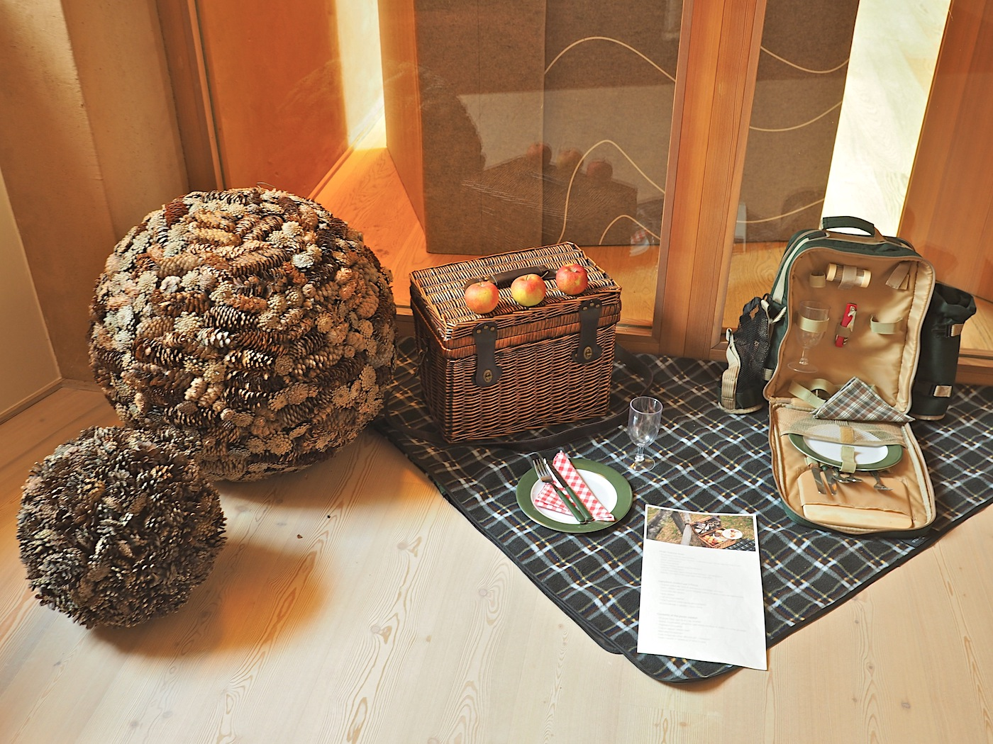 Betreutes Wandern. Für Ausflüge in die nähere oder weitere Umgebung füllt das Resort gerne einen Picknickkorb.