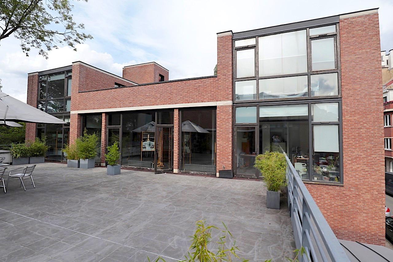 CIVA. ... 1998 vom Architekturbüro Garric-Negre-Altuna-Quirot zum Kulturzentrum umgebaut, in dem sich seit 1999 die CIVA befindet.