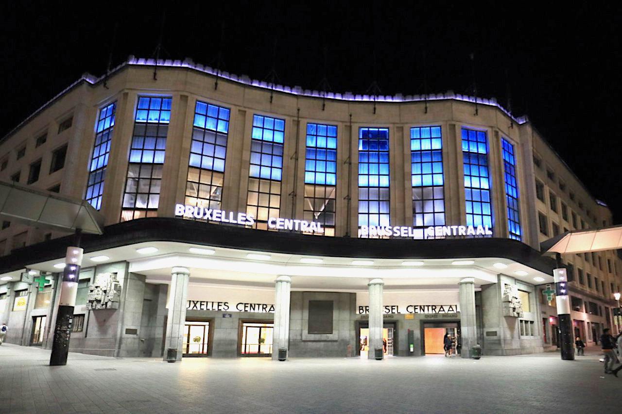 Zentralbahnhof. Architekten: Victor Horta, Maxime Brunfaut, Fertigstellung: 1952. Horta erlebte die Eröffnung nicht mehr, er starb 1947.