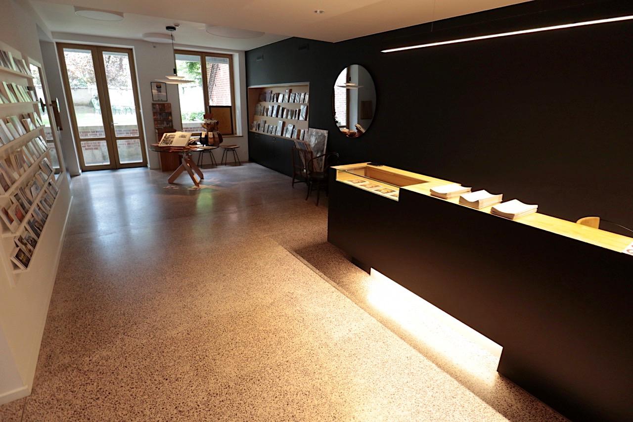 Horta Museum. Im benachbarten Maison Hilst von Jules Brunfaut befindet sich der Museumsshop und der Eingang zum Horta Museum.