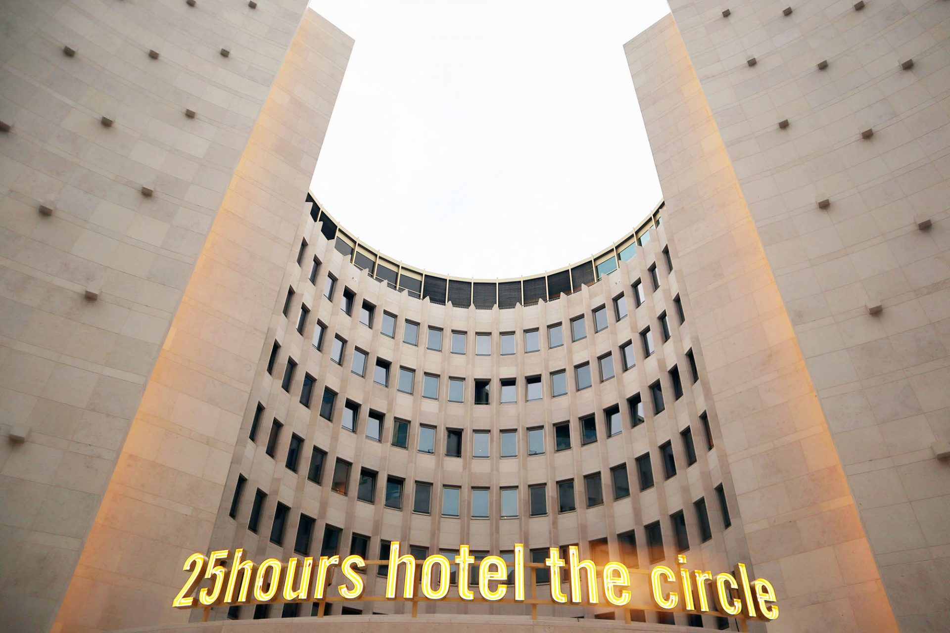 "25hours Hotel The Circle. ""Kennst du eins, kennst du keins"", so das Motto der 25hours Hotel-Gruppe."