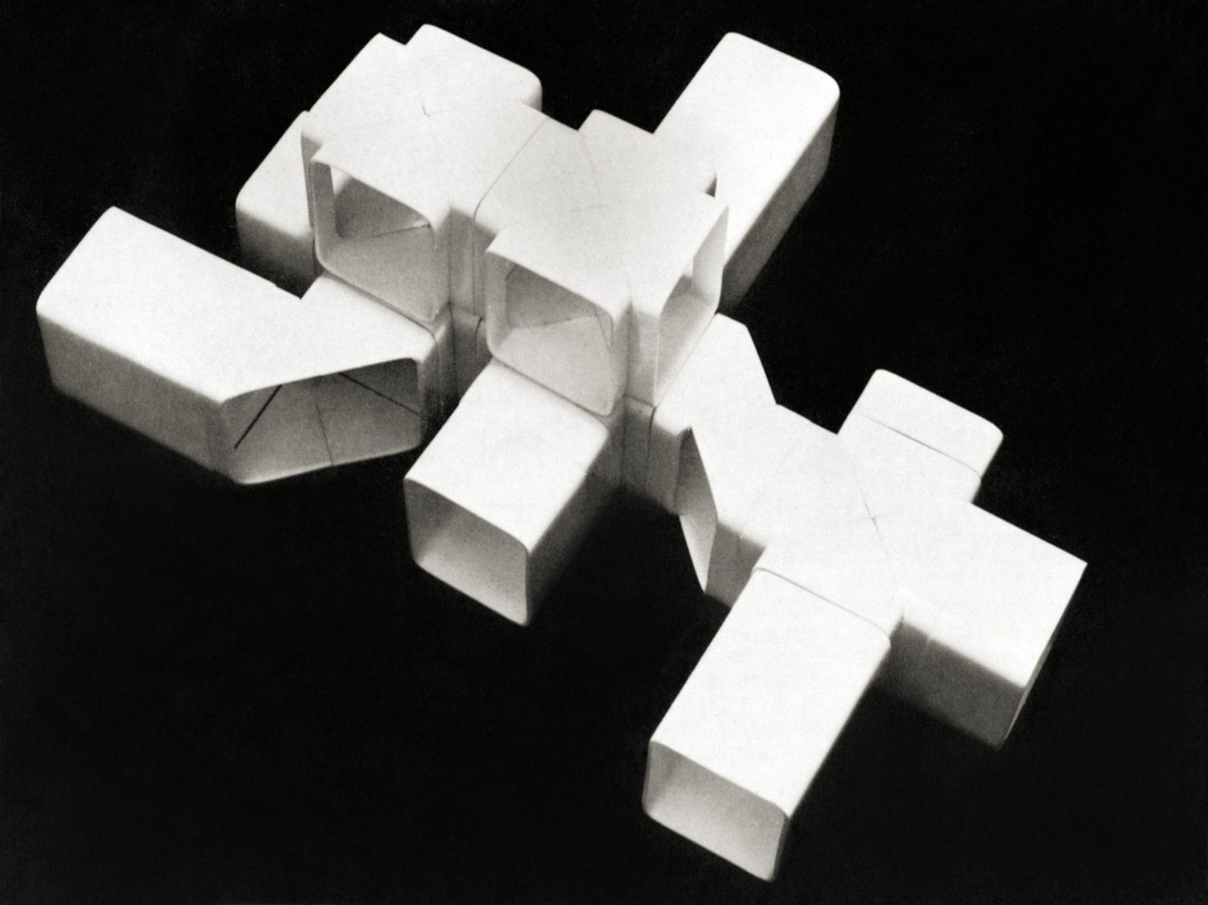 Saša J. Mächtig: Systems. Structures. Strategies.. K67 System-Elemente, Kunststoffmodel von 1966