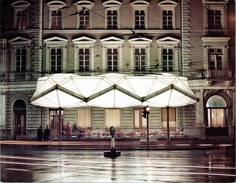 Saša J. Mächtig: Systems. Structures. Strategies.. Beleuchtetes Dach des Café Evropa Summer Pavilions in Ljubljana.