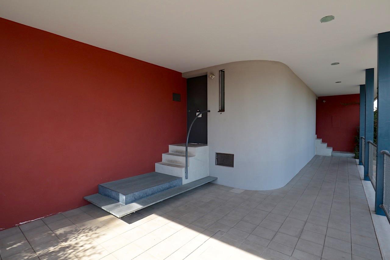 Weissenhofmuseum im Haus Le Corbusier. Das Doppelhaus sowie das benachbarte Haus Citrohan im Bruckmannweg 2 sind seit 2016 und mit weiteren Le Corbusier-Bauten in insgesamt 7 Ländern UNESCO-Weltkulturerbe.