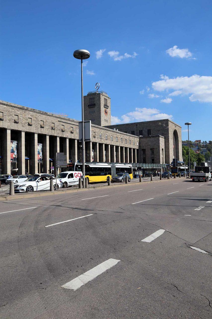 Stuttgart Hauptbahnhof. Entwurf Paul Bonatz und Friedrich Eugen Scholer. Fertigstellung: 1922.