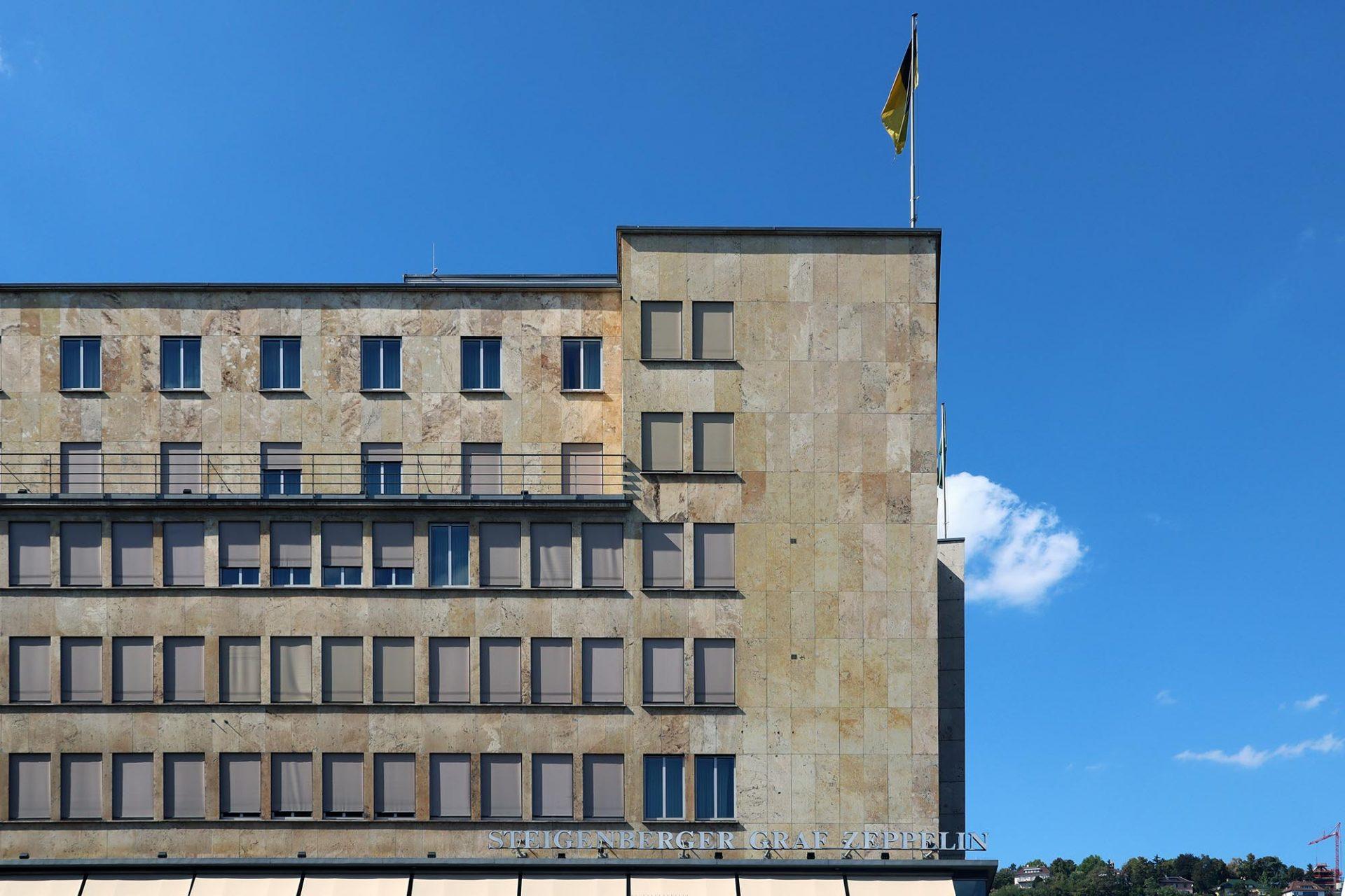 """Steigenberger Graf Zeppelin. """"Das Zeppelin"""" war das damals modernste Hotel Süddeutschlands. 1957 übernahm Albert Steigenberger das Haus."""