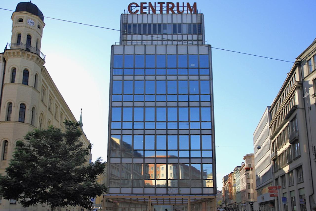 Bat'a Einkaufszentrum. Entwurf: Vladimír Karfík, Fertigtellung: 1931