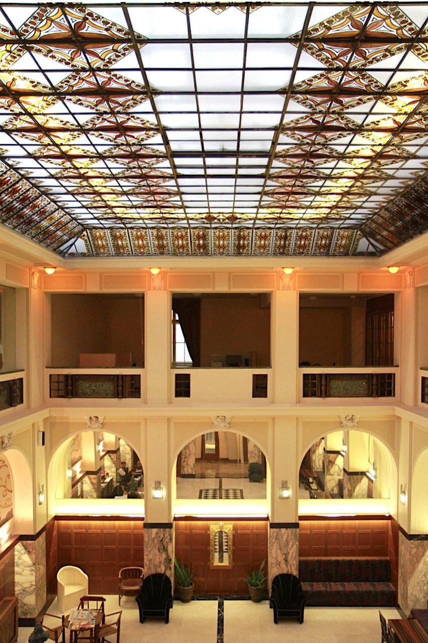 Hotel Grandezza. Das Gebäude war zunächst die Kyrill-und-Methodius-Vorschusskasse, bevor es für mehrere Jahre grundsaniert und als Boutiquehotel eröffnet wurde.
