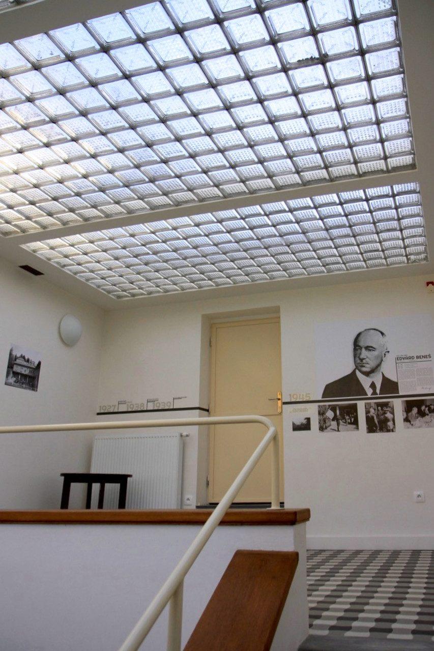 Villa Stiassni. Dauerausstellung über die Historie des Hauses im Küchentrakt.