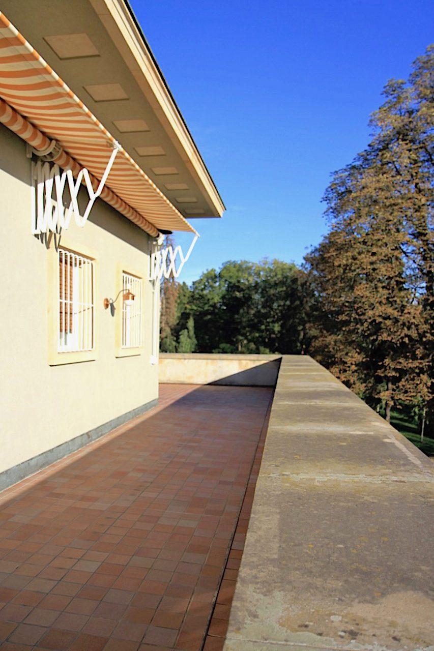 Villa Stiassni. Das später auch als Regierungsvilla bezeichnete Haus wurde 2014 nach mehrjähriger Sanierungszeit wiedereröffnet.