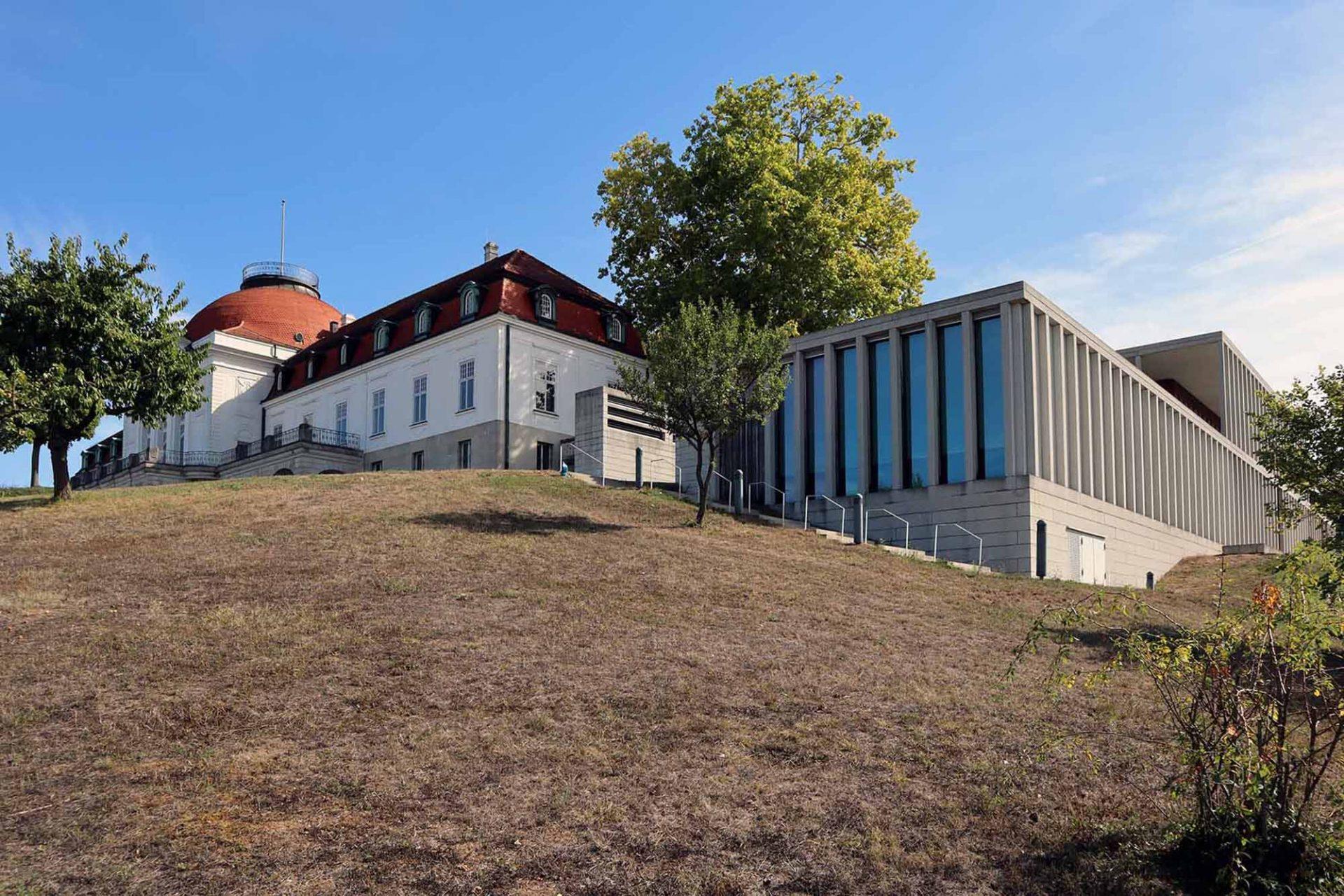 Schiller-Nationalmuseum. Alt und neu: links der Bau von Eisenlohr und Weigle, rechts das Literaturmuseum der Moderne von David Chipperfield Architects