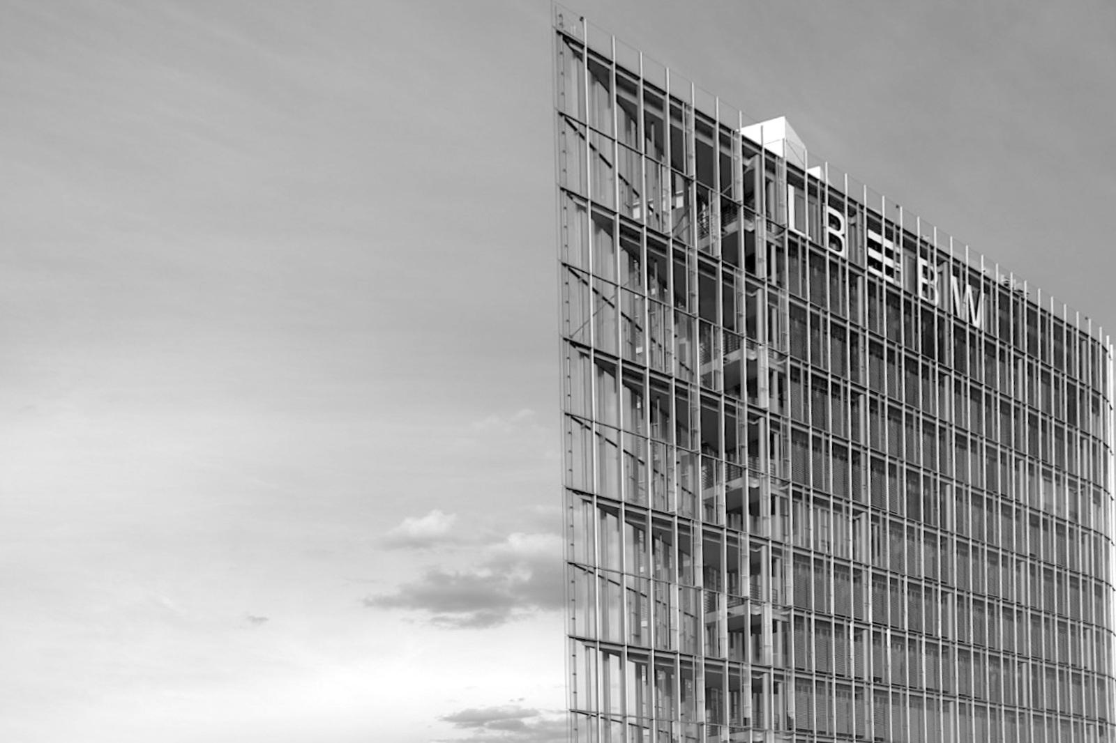 Landesbank Baden-Württemberg. Entwurf: Wöhr Mieslinger Architekten (wma), Fertigstellung: 2004.