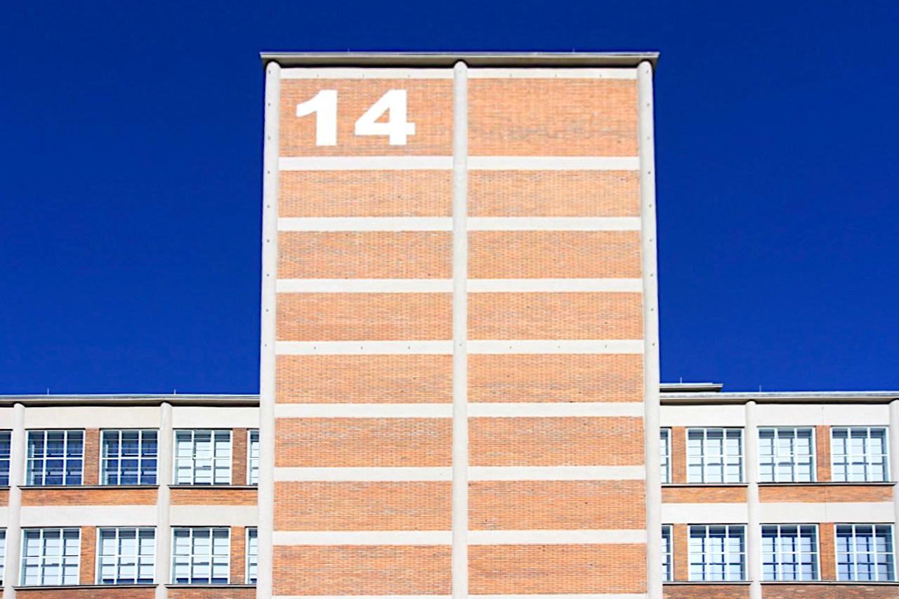 14|15 Bata Institut. Entworfen von Jiří Voženílek (1909–1986)