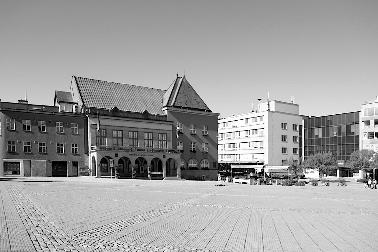 Rathaus. Entwurf: F. L. Gahura, Fertigstellung: 1924. Das Projekt wurde von Gahura als Abschluss-Diplomarbeit mit teils unterschiedlichen Baukörpern ausgearbeitet.