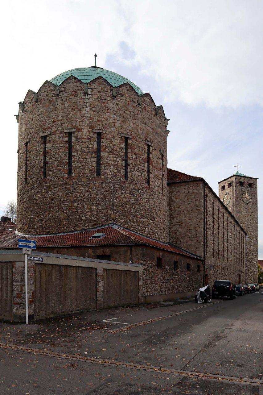 St. Heinrich. Der Baumeister hat zahlreiche katholische Kirchen in Süddeutschland entworfen und zählt zu den herausragenden Sakralbaumeistern des 20. Jahrhunderts, der noch bis kurz vor seinem Tod gearbeitet und geplant hat.