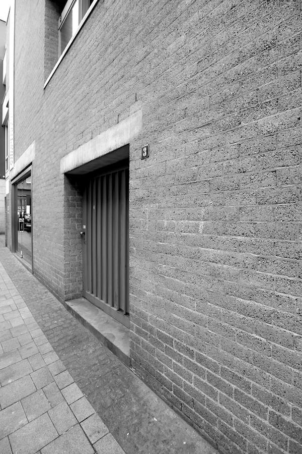 """Schmela Haus. van Eyck war Gründungsmitglied von """"Team X"""", einer 1959 gegründeten Architektengruppe mit Alison und Peter Smithson, Georges Candilis, Shadrach Woods und Jacob Bakema."""