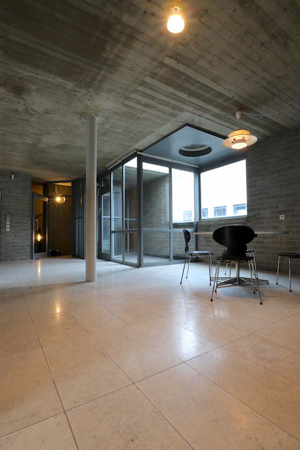 Schmela Haus. ... in der Küche des 380 qm großen Hauses.