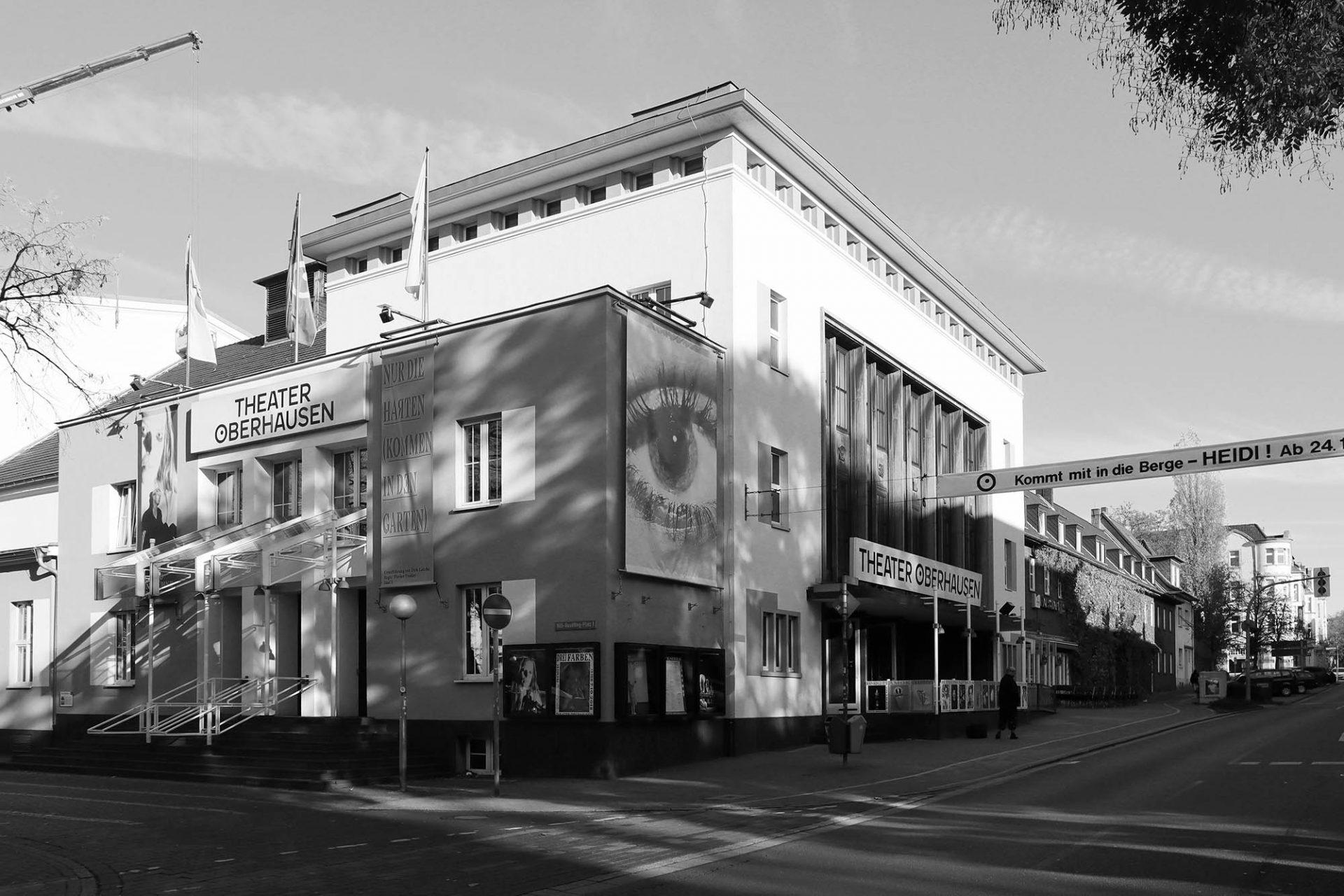 Theater Oberhausen. Mit 448 Plätzen ist es heute das größte ...