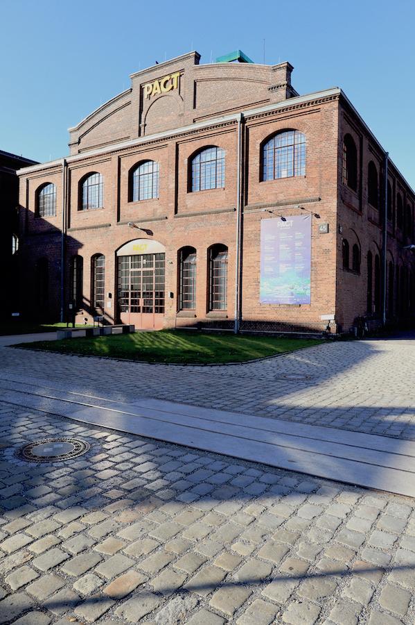 PACT Zollverein / Choreographisches Zentrum. Von 1999 bis 2000 baute der Frankfurter Architekt Christoph Mäckler die zweigeschossige Waschkaue ...