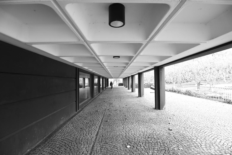 Kunstmuseum Bochum. Das Gebäude steht auf einem schmalen, leicht abschüssigen Grundstück an der Berg- und Kortumstraße in ...