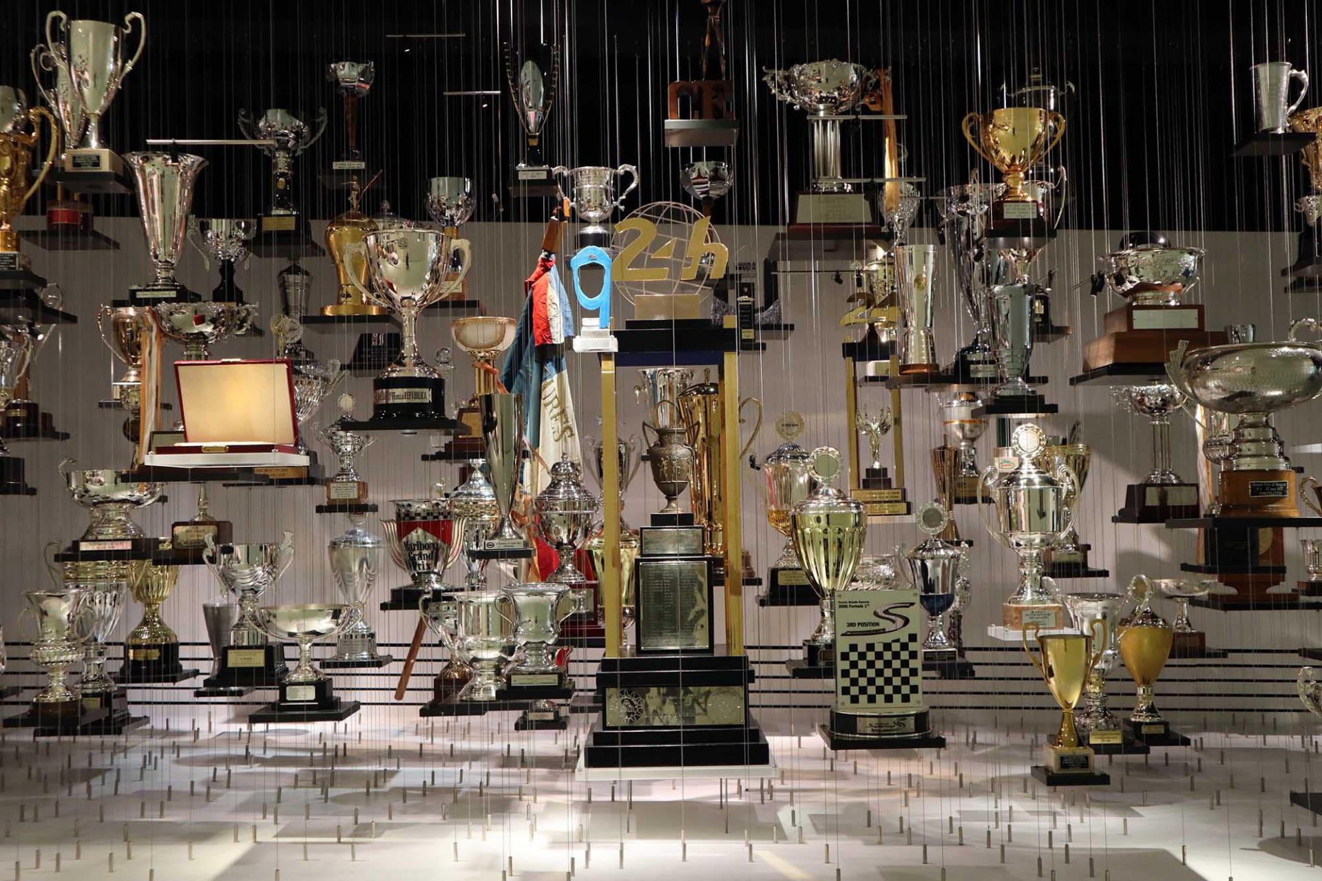 Porsche Museum. Das Konzept für die Ausstellung stammt vom Stuttgarter Büro hg merz architekten museumsgestalter.
