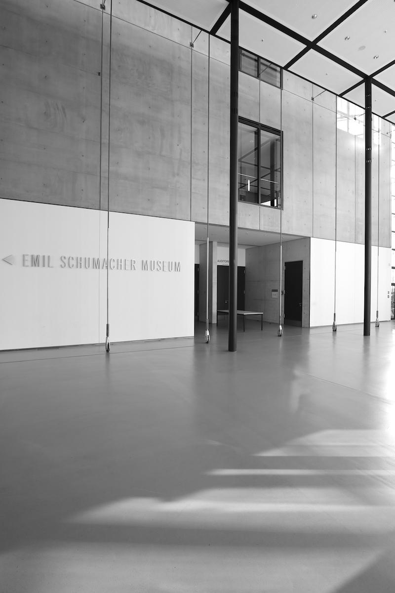 Emil Schumacher Museum. Das Foyer verbindet des neue Museum mit dem angrenzenden Osthaus Museum.