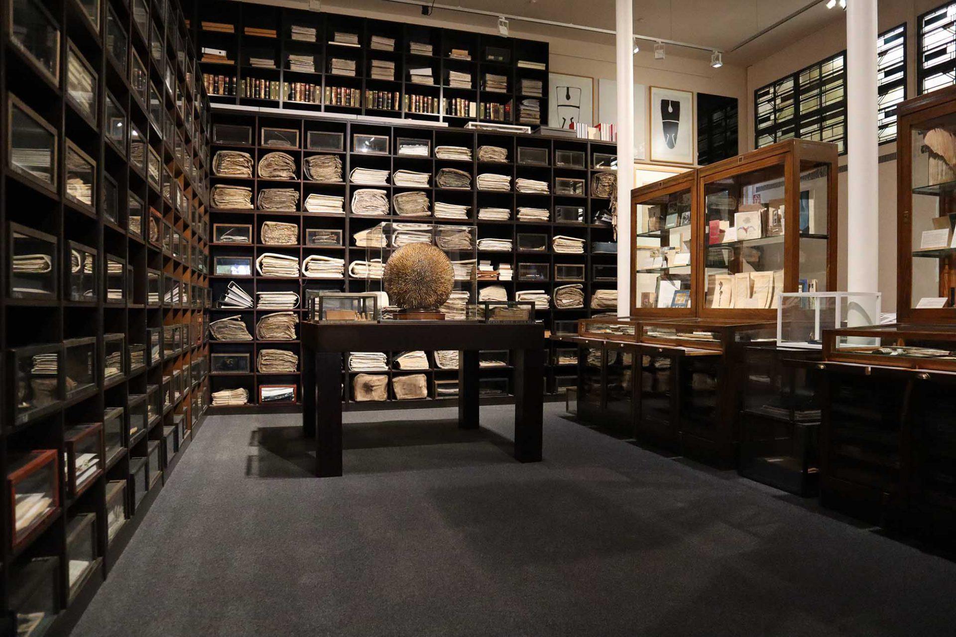 """Osthaus Museum. """"Die Architektur der Erinnerung"""" ist das Hauptwerk der deutschen Künstlerin Sigrid Sigurdsson und als Museum im Museum Teil der ständigen Sammlung des Hauses."""