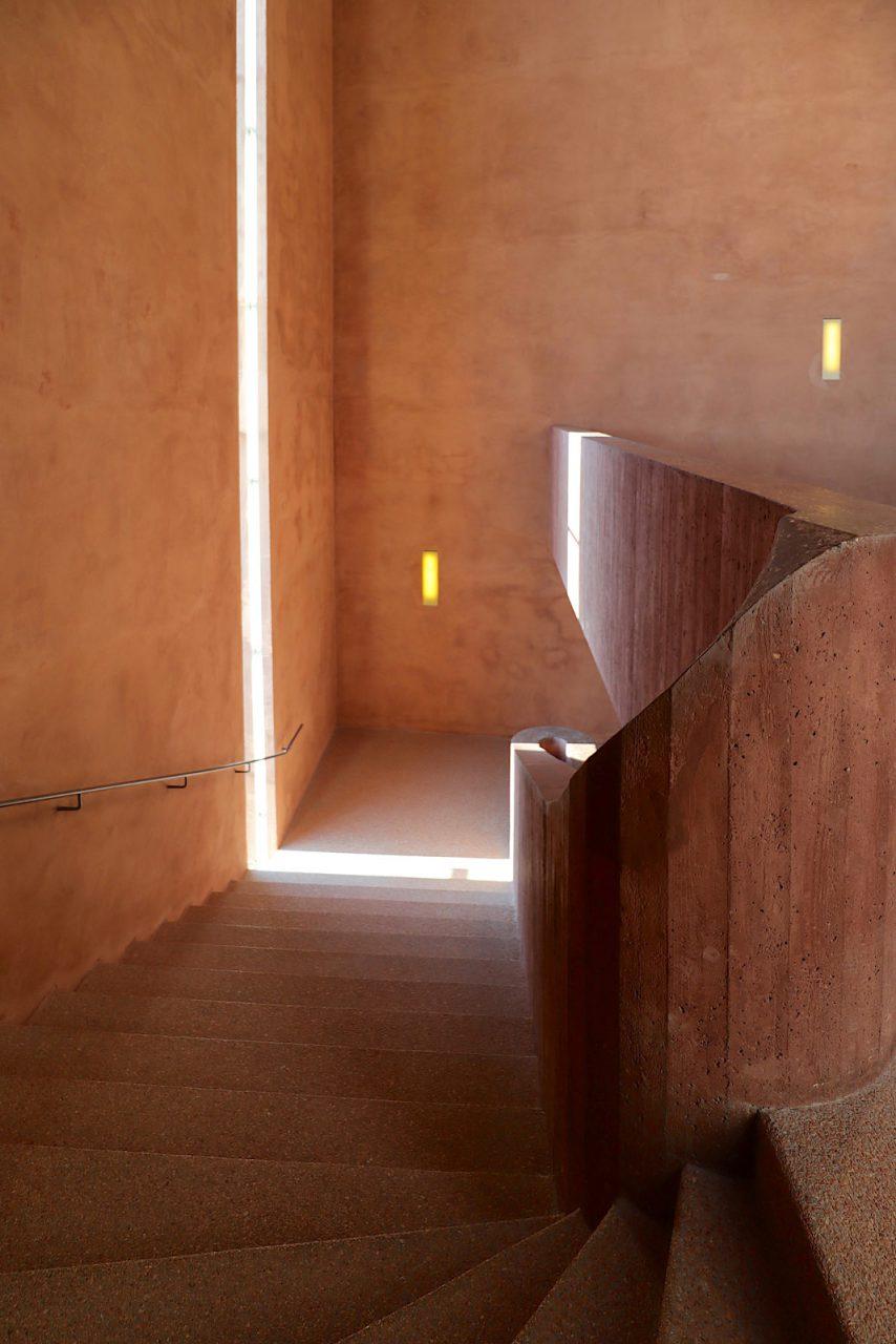 MKM Museum Küppersmühle für Moderne Kunst. Der Treppenturm ist der einzige neue Anbau und eines unserer Lieblingstreppenhäuser.