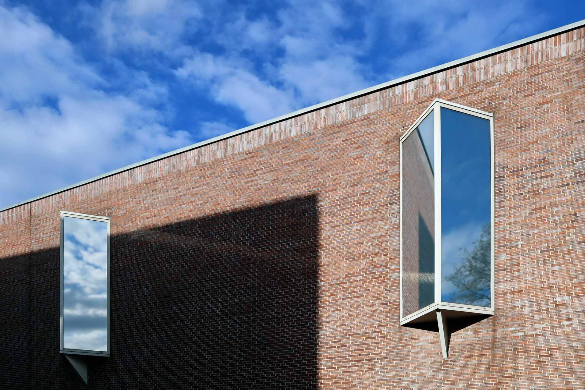 Gustav-Lübcke-Museum. Namensgeber ist der Kunsthändler Gustav Lübcke aus Düsseldorf, der seine Sammlung 1917 an seine Heimatstadt Hamm übergeben hat.