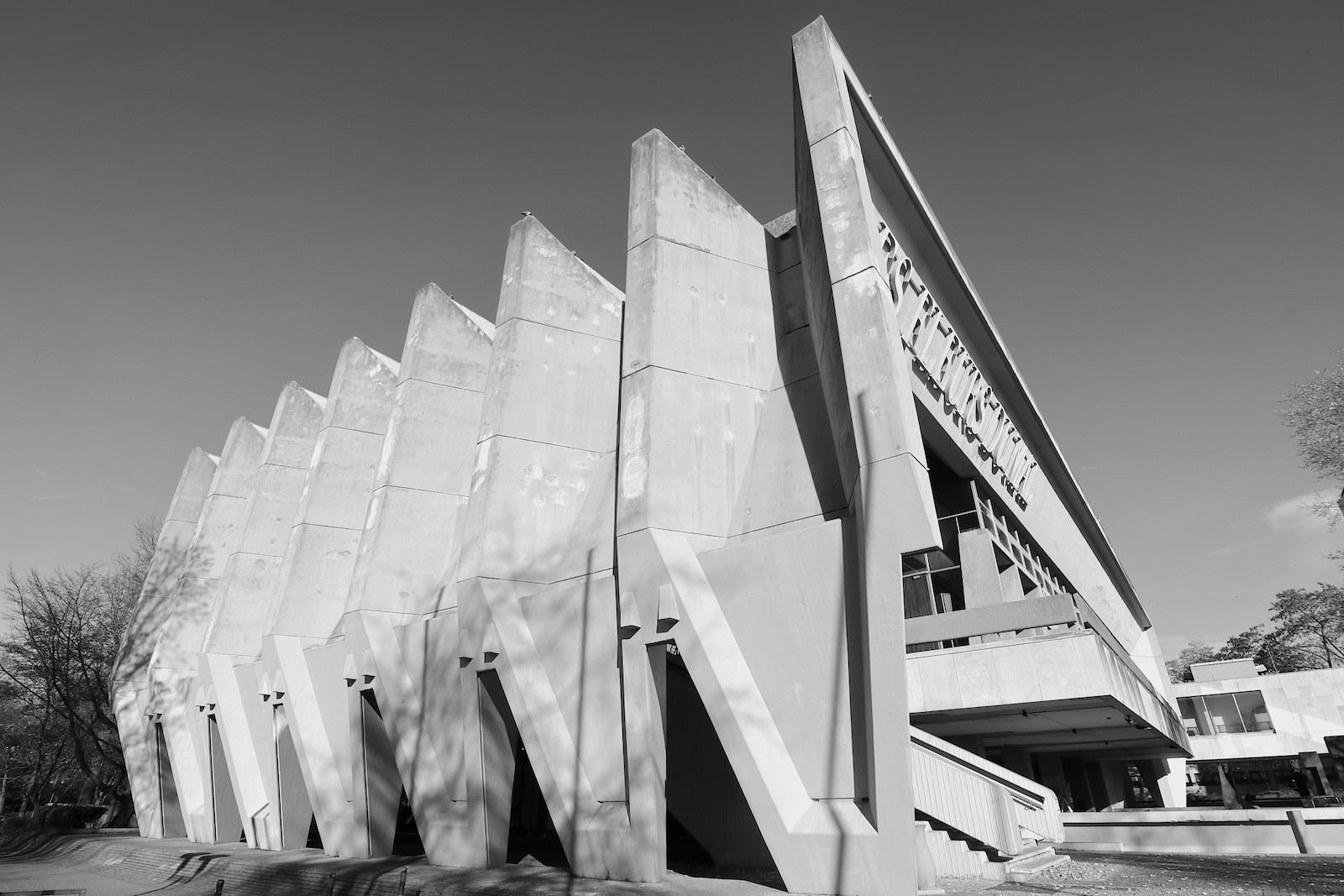 Skulpturenmuseum Glaskasten. An dem Wettbewerb für die Bebauung des Areals nahmen u. a. auch Arne Jacobsen und Hans Scharoun teil.