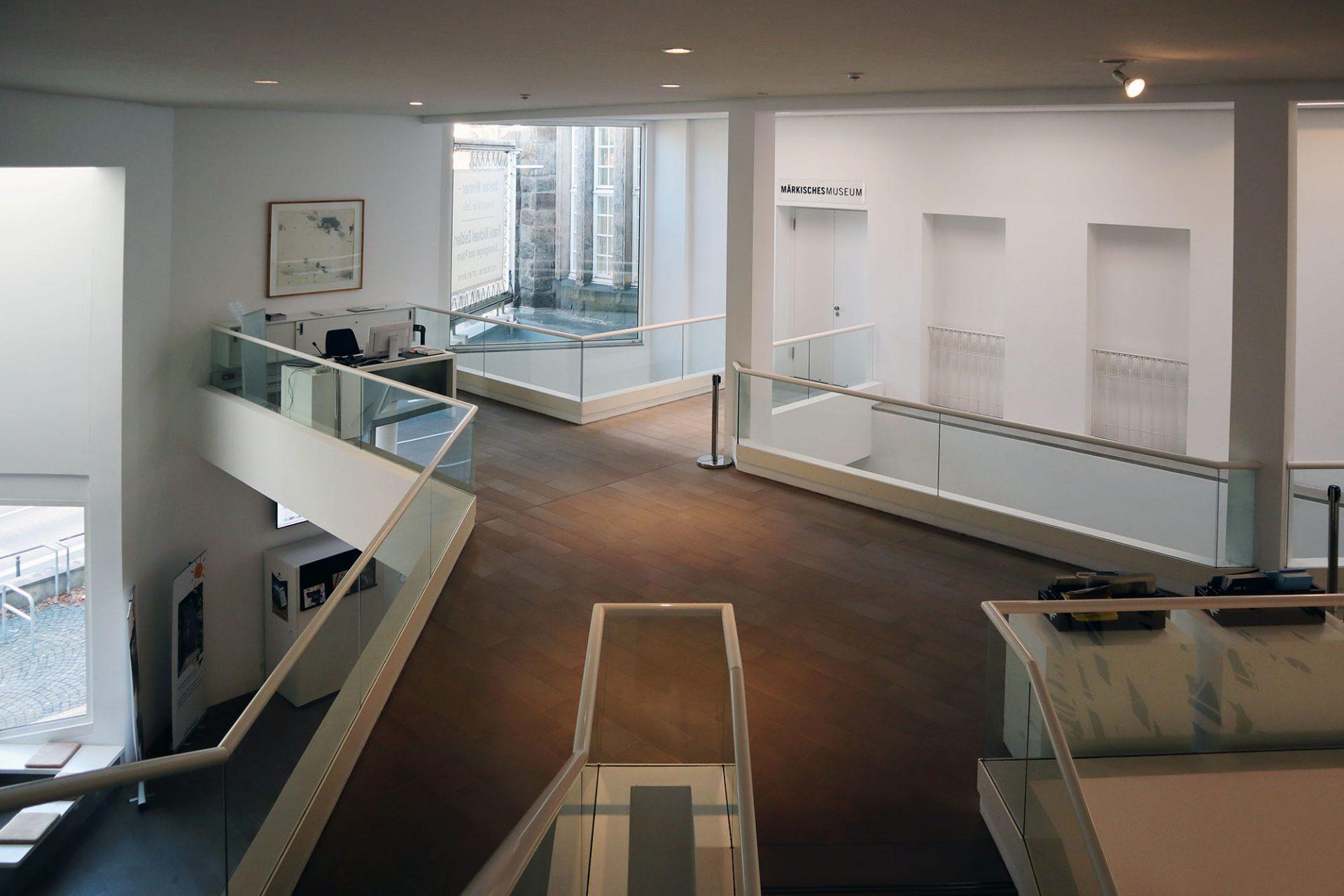 Märkisches Museum. Die Sammlung des Museums umfasst moderne Malerei aus Deutschland, dazu expressionistische Werke von Ernst Ludwig Kirchner und Emil Nolde.
