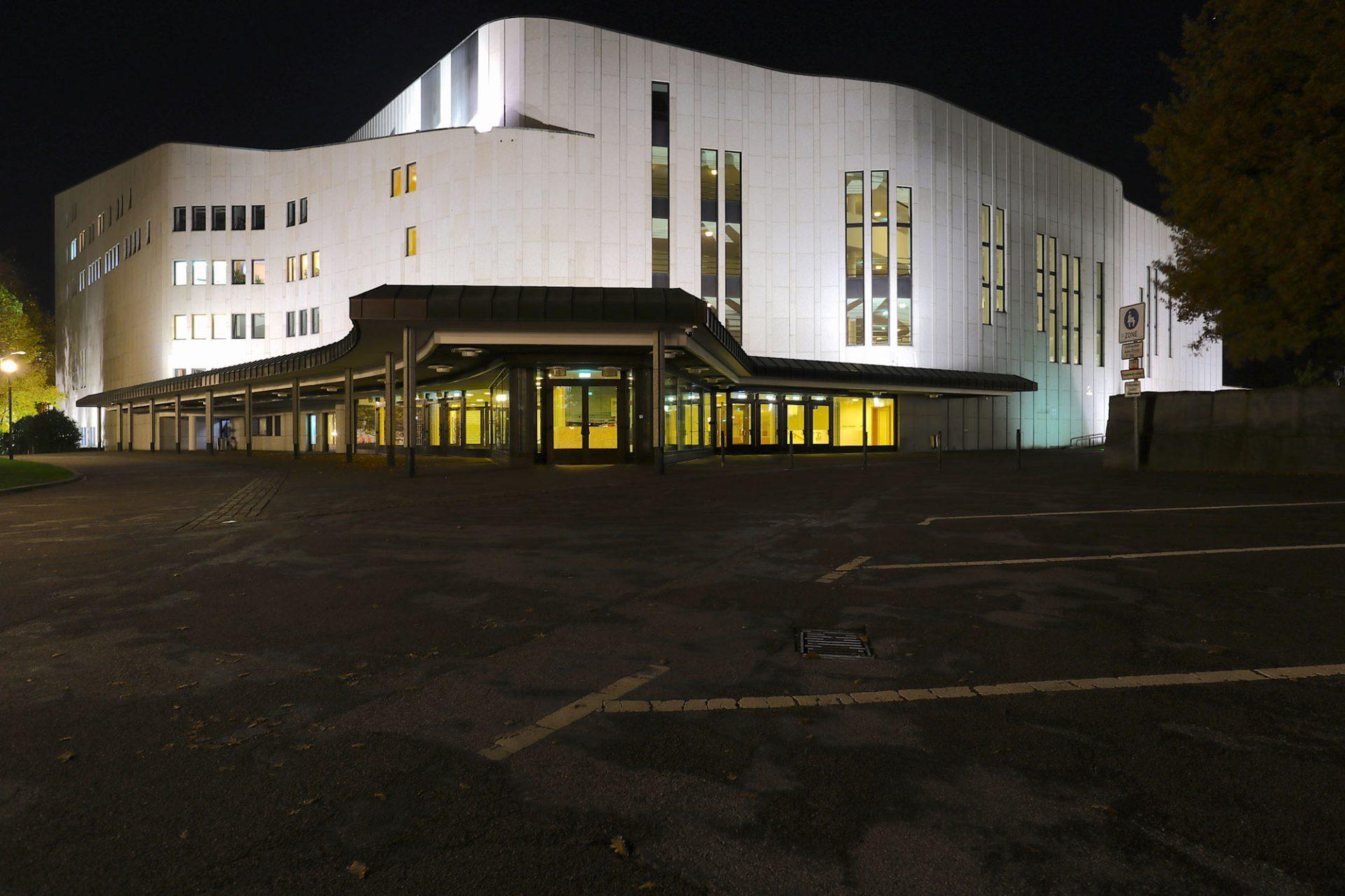 Aalto Musiktheater. Entwurf: Alvar Aalto mit Harald Deilmann (Umsetzung). Fertigstellung: 1988.