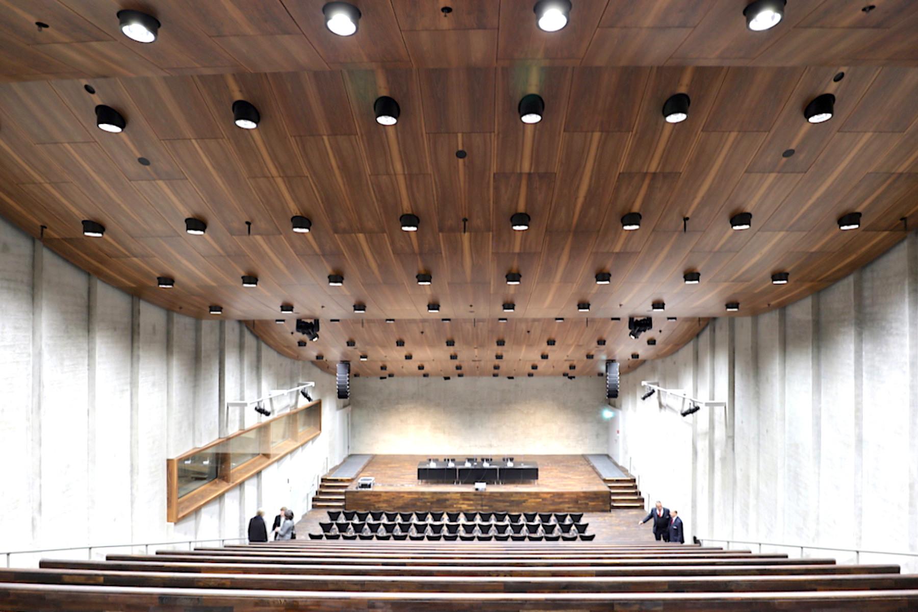 James-Simon-Galerie. Das Auditorium mit Platz für 300 Gäste.