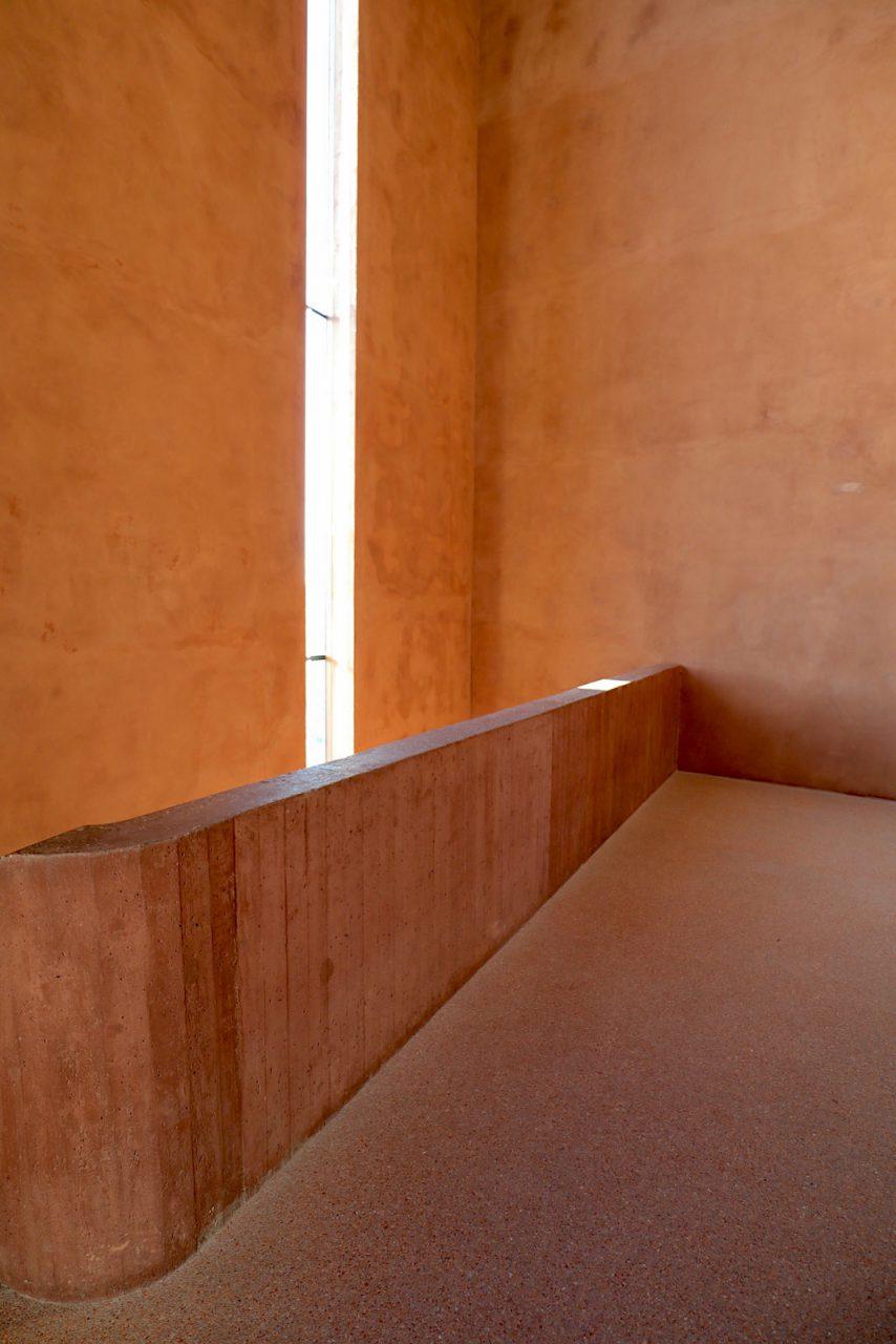 MKM Museum Küppersmühle für Moderne Kunst. Der Treppenturm ist der einzige neue Anbau.
