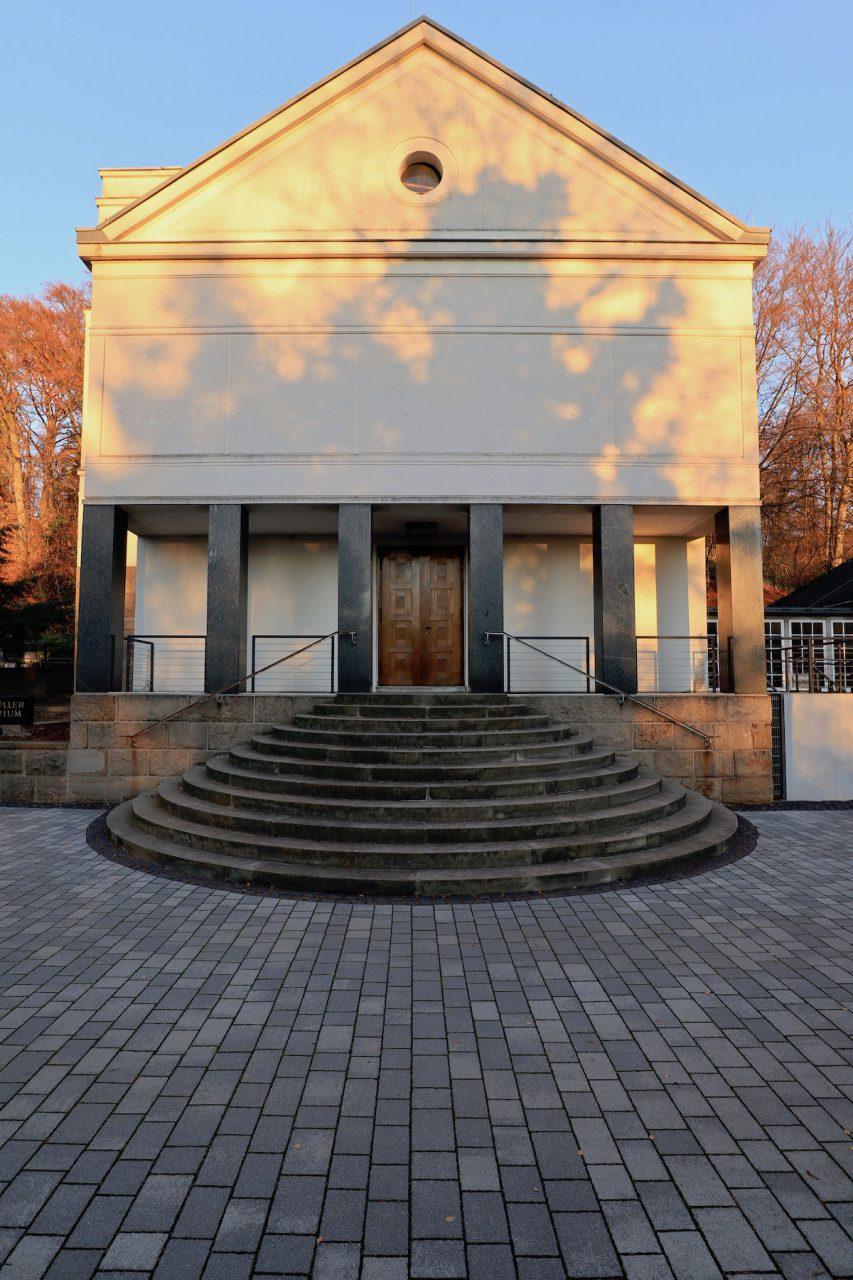 Eduard-Müller-Krematorium. Das denkmalgeschützte Profangebäude befindet sich in Hagen-Delstern und ...