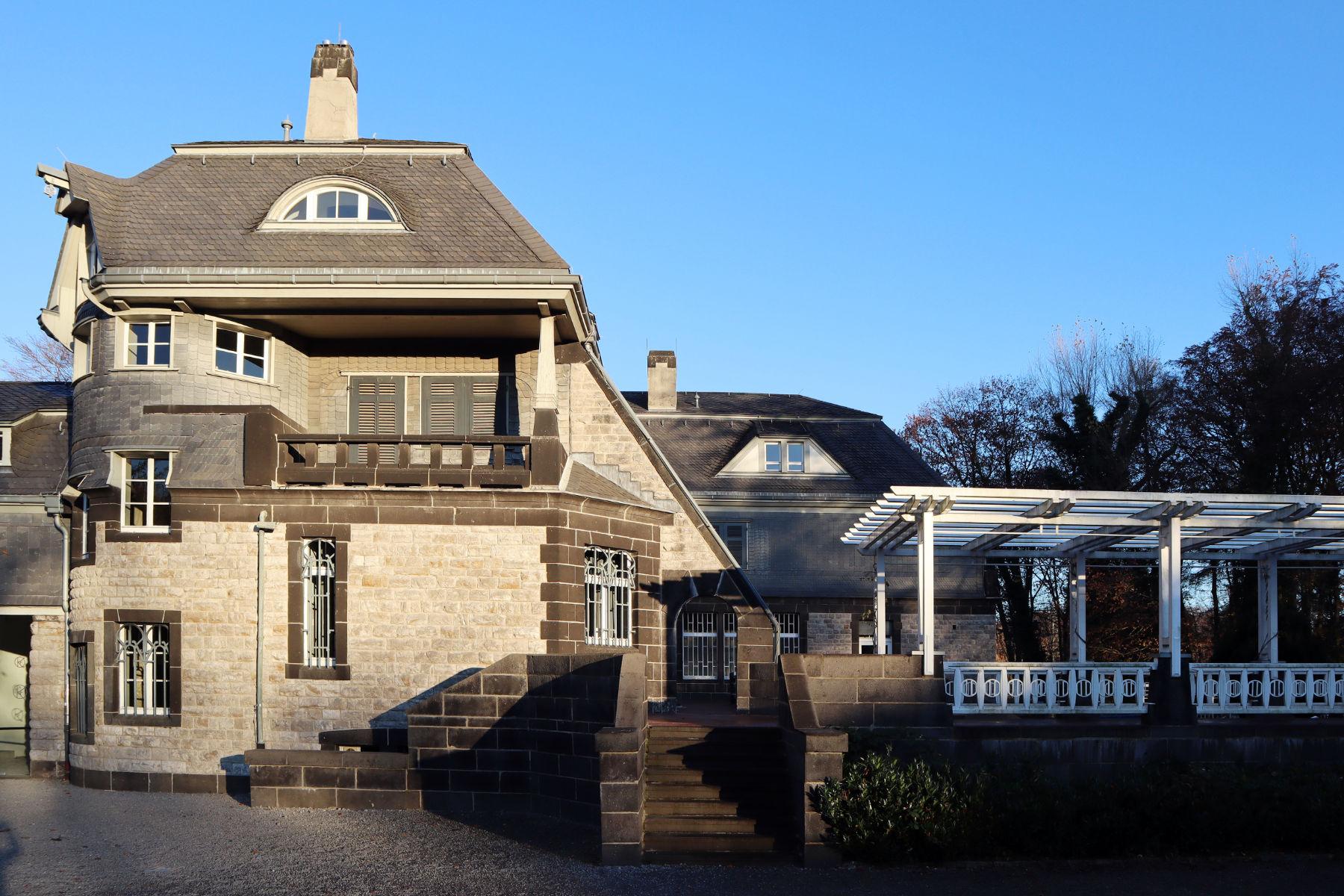 Der Hohenhof. Das Anwesen wurde nach einem Entwurf des belgisch-flämischen Architekten und Designers Henry van de Velde gebaut.