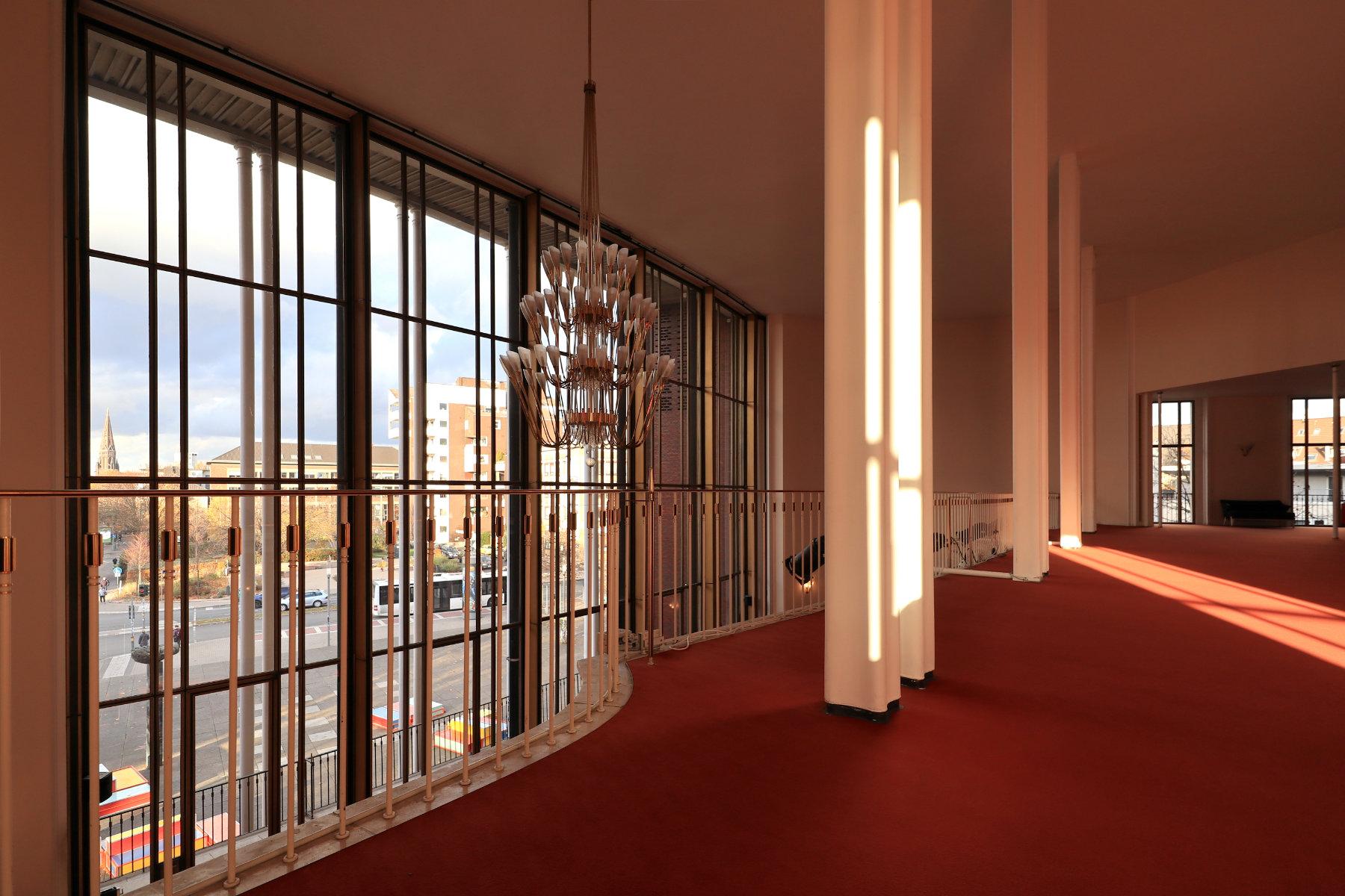 Schauspielhaus Bochum. Entwurf: Gerhard Graubner. Fertigstellung: 1953.
