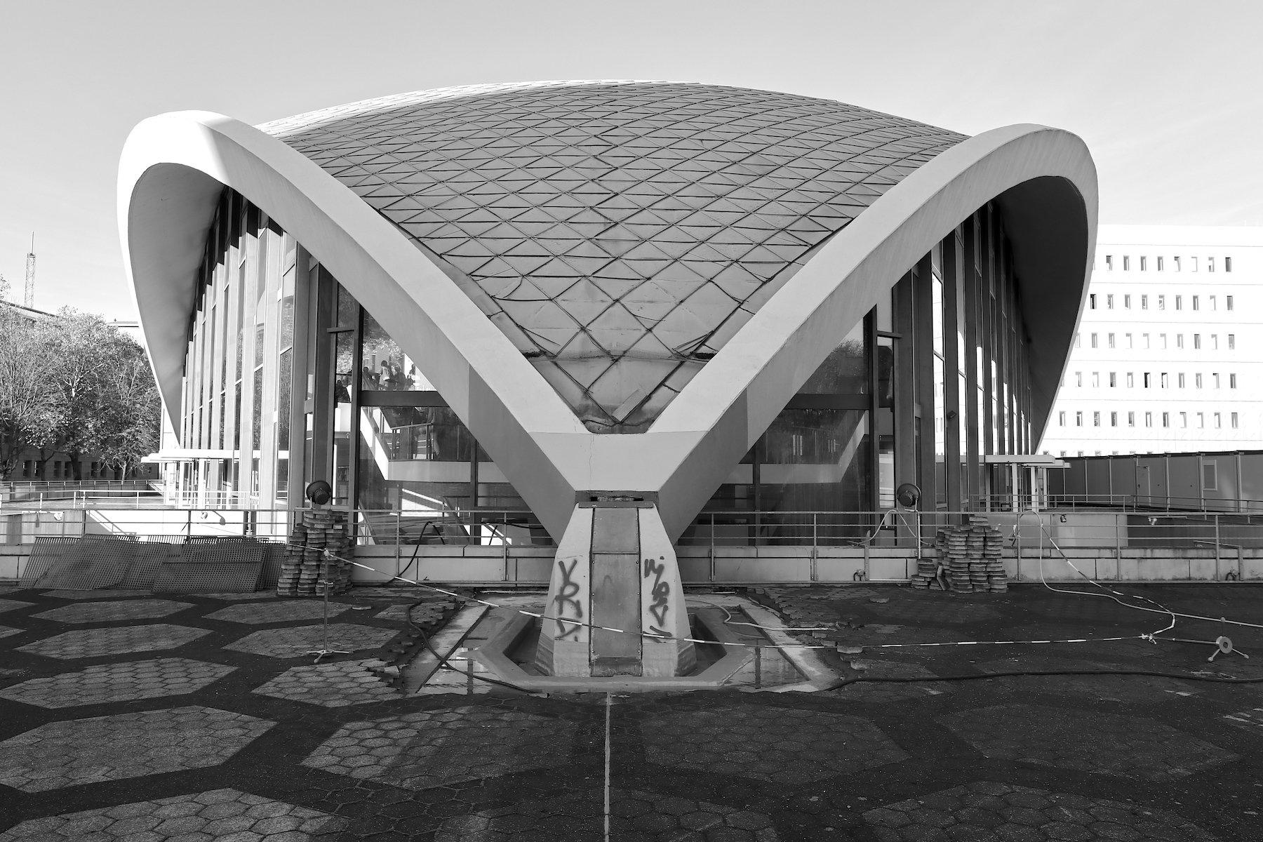 Theater Dortmund. Theater und Opernhaus: Josef Clemens, Edgar Frasch, Heinrich Rosskotten und Edgar Tritthart. Fertigstellung: 1966.