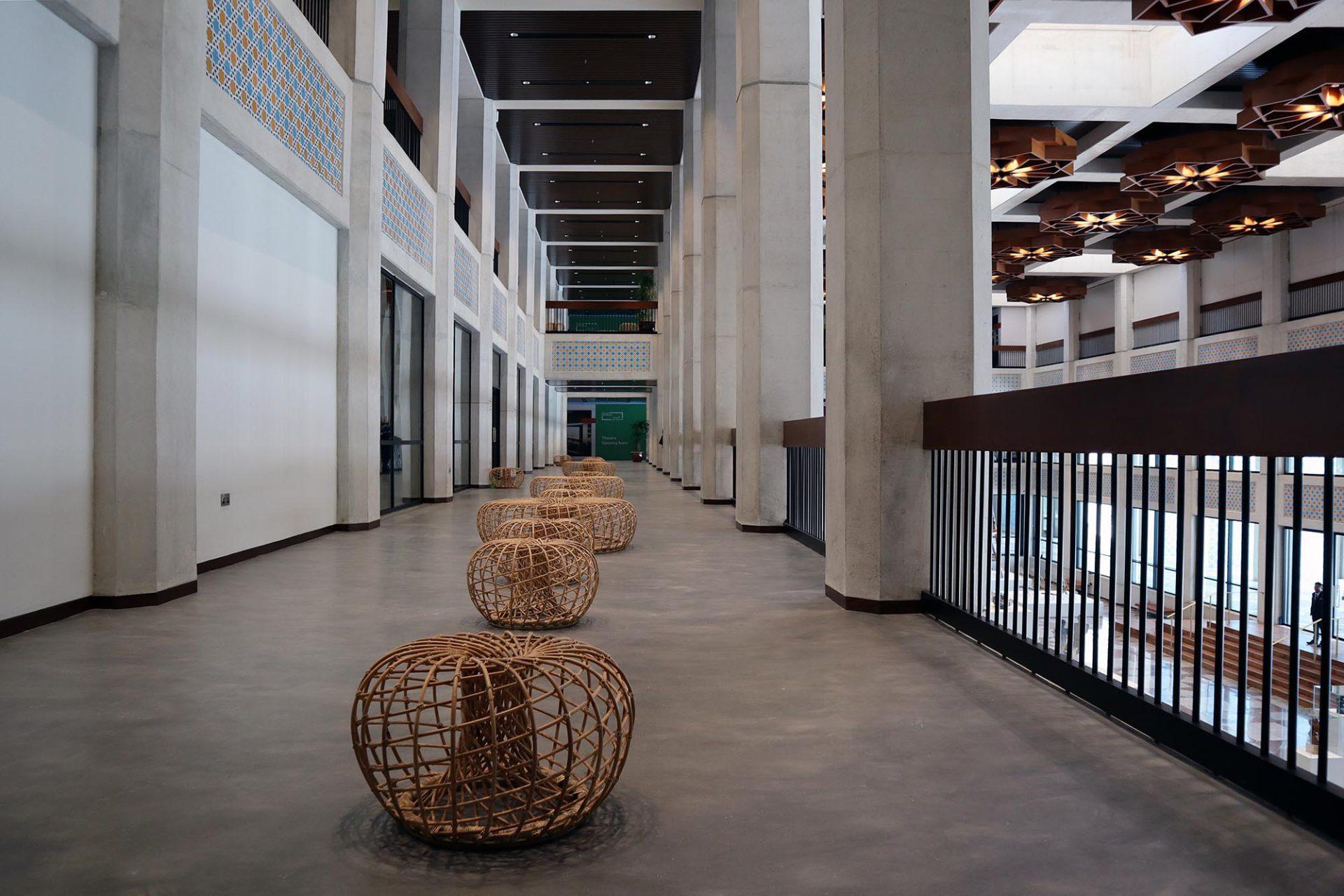 Cultural Foundation. Neben den Ausstellungsflächen und Künstlerateliers eröffnen im Laufe des Jahres noch ein Kino und eine Kinderbibliothek.