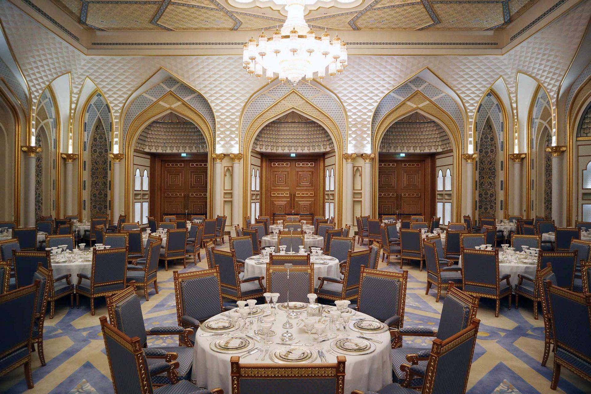 Qasr Al Watan. Der Bankettsaal. Gegenüber befindet sich der Saal mit Staatsgeschenken.