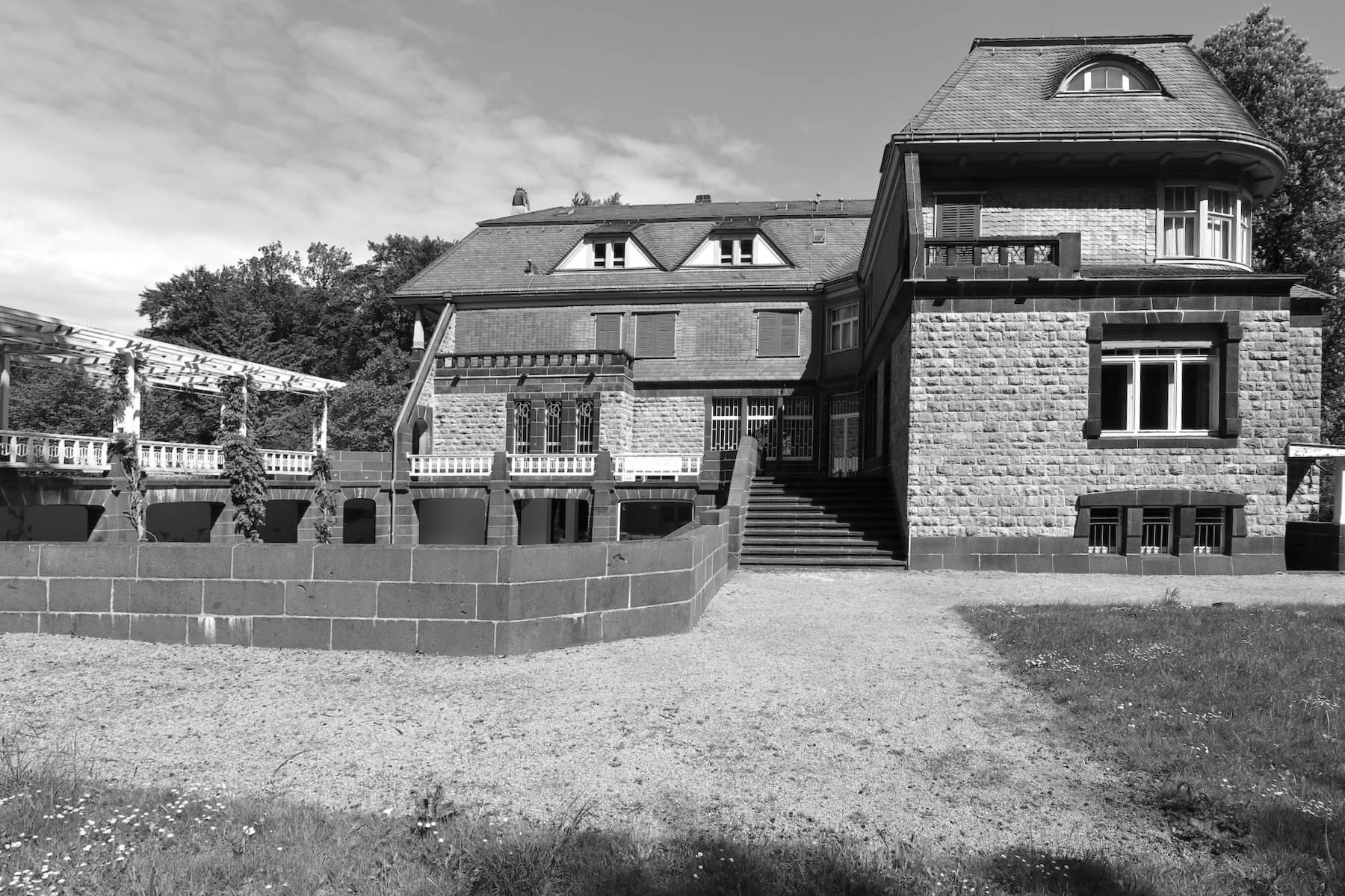 Hohenhof. Das Anwesen wurde nach einem Entwurf des belgisch-flämischen Architekten und Designers Henry van de Velde gebaut.