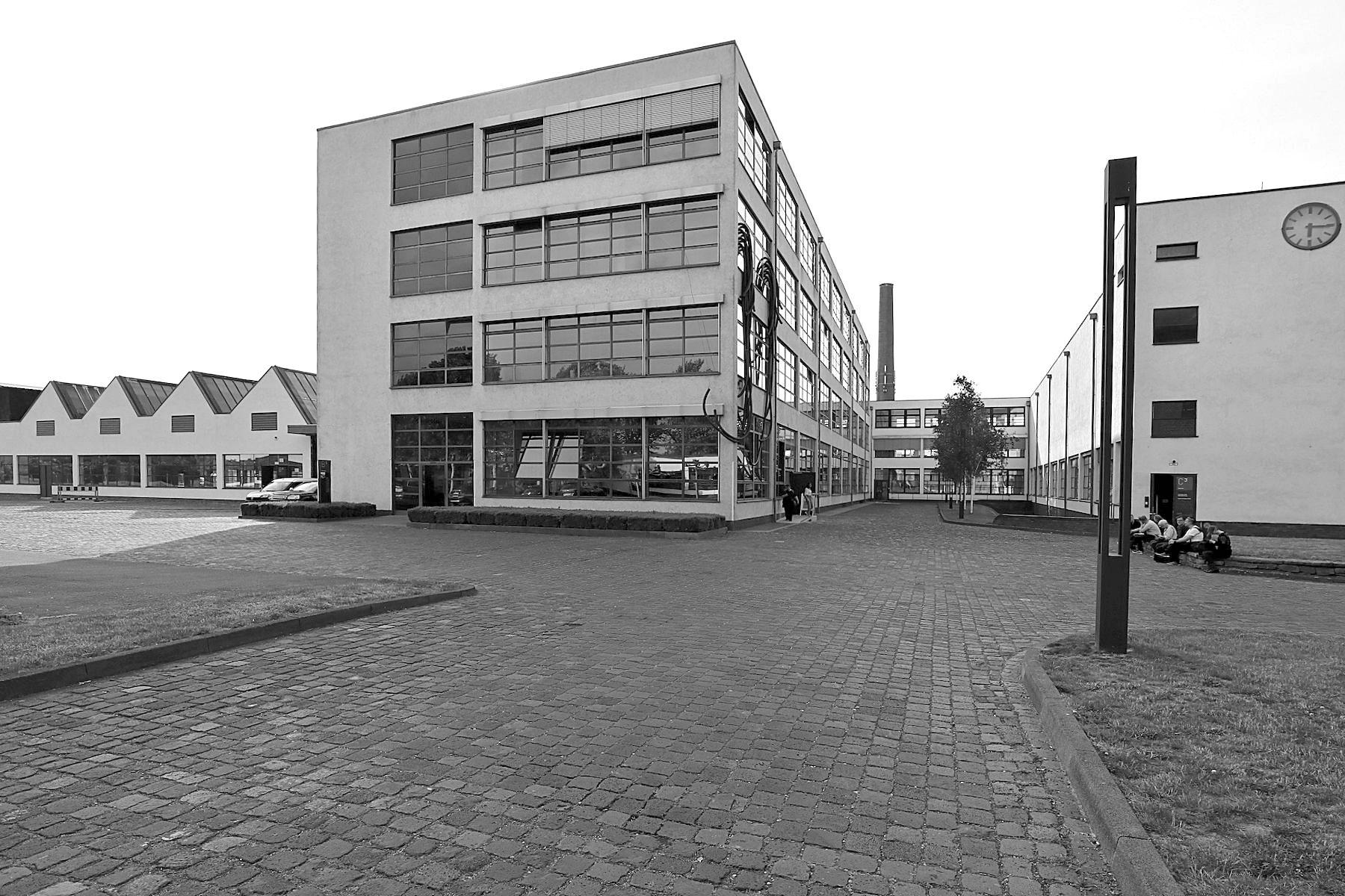 Mies van der Rohe Business Park. HE-Gebäude und Färberei, Mies van der Rohe. Fertigstellung: 1931.