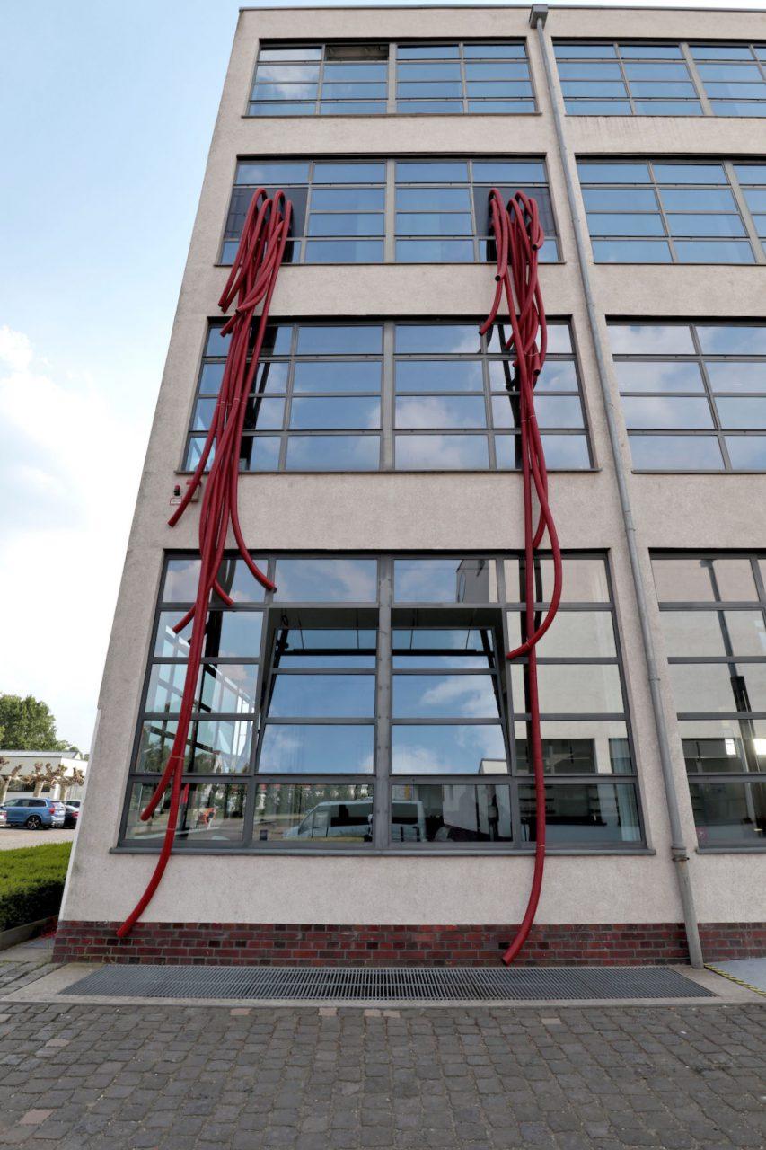 """Mies van der Rohe Business Park. Es sind die einzigen von Mies realisierten Produktionsbauten. Aktuell wird hier die sehenswerte Ausstellung """"Mies im Westen"""" gezeigt."""
