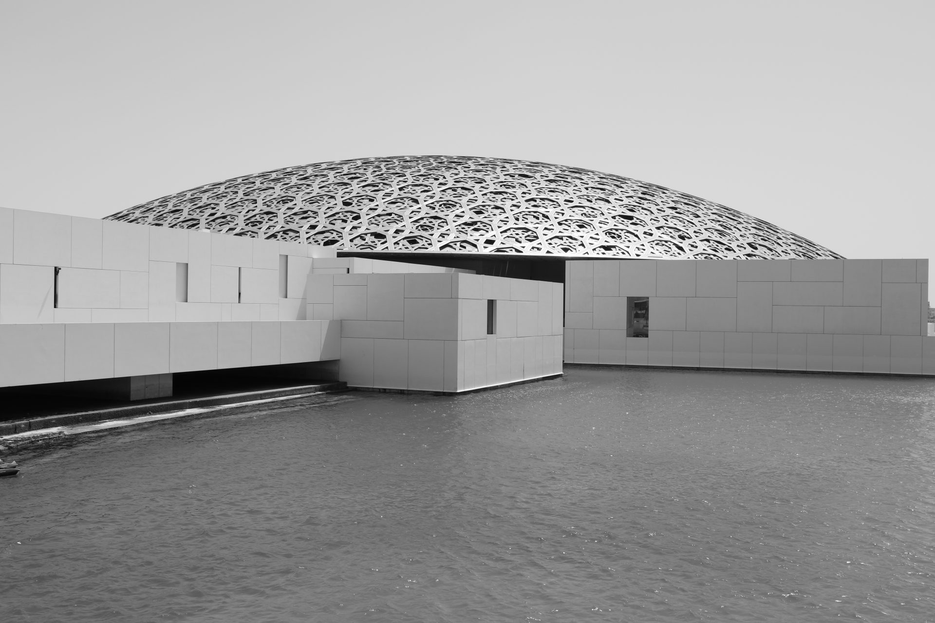 Louvre Abu Dhabi. Entwurf: Ateliers Jean Nouvel. Fertigstellung: 2017.