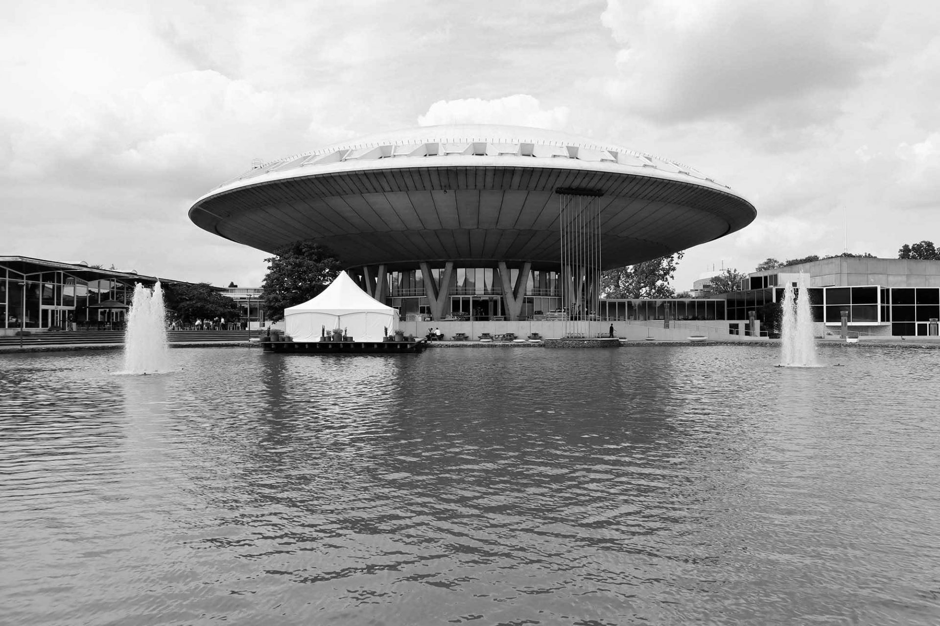 Evoluon. Ursprünglich als Technologiemuseum errichtet, dient es heute als Kongress- und Veranstaltungszentrum. Das soll sich bald ändern.