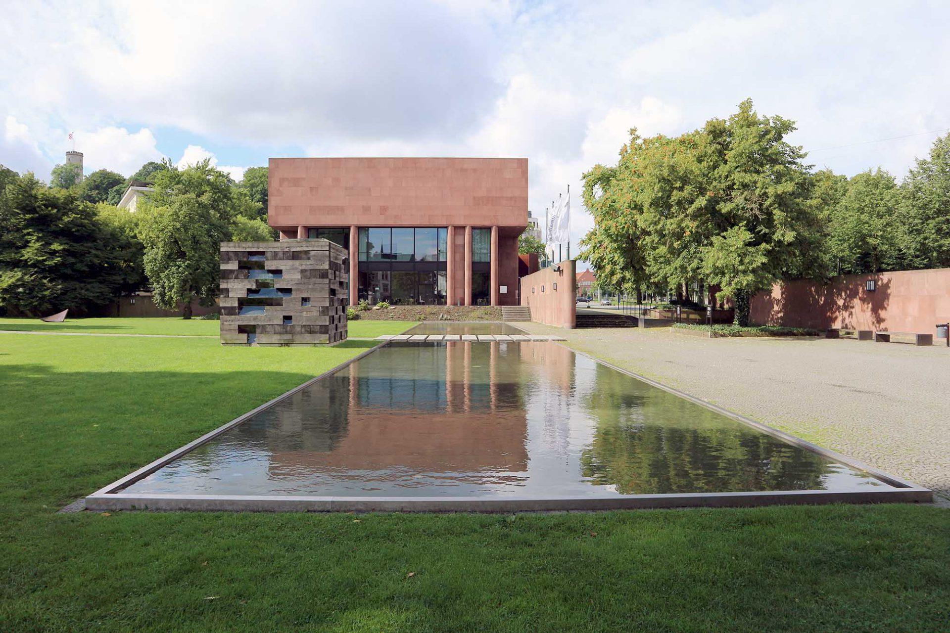 Kunsthalle Bielefeld. Seit seiner Eröffnung 1968 ein großes Glück für die Stadt. Entwurf: Philip Johnson und 1968 fertiggestellt.